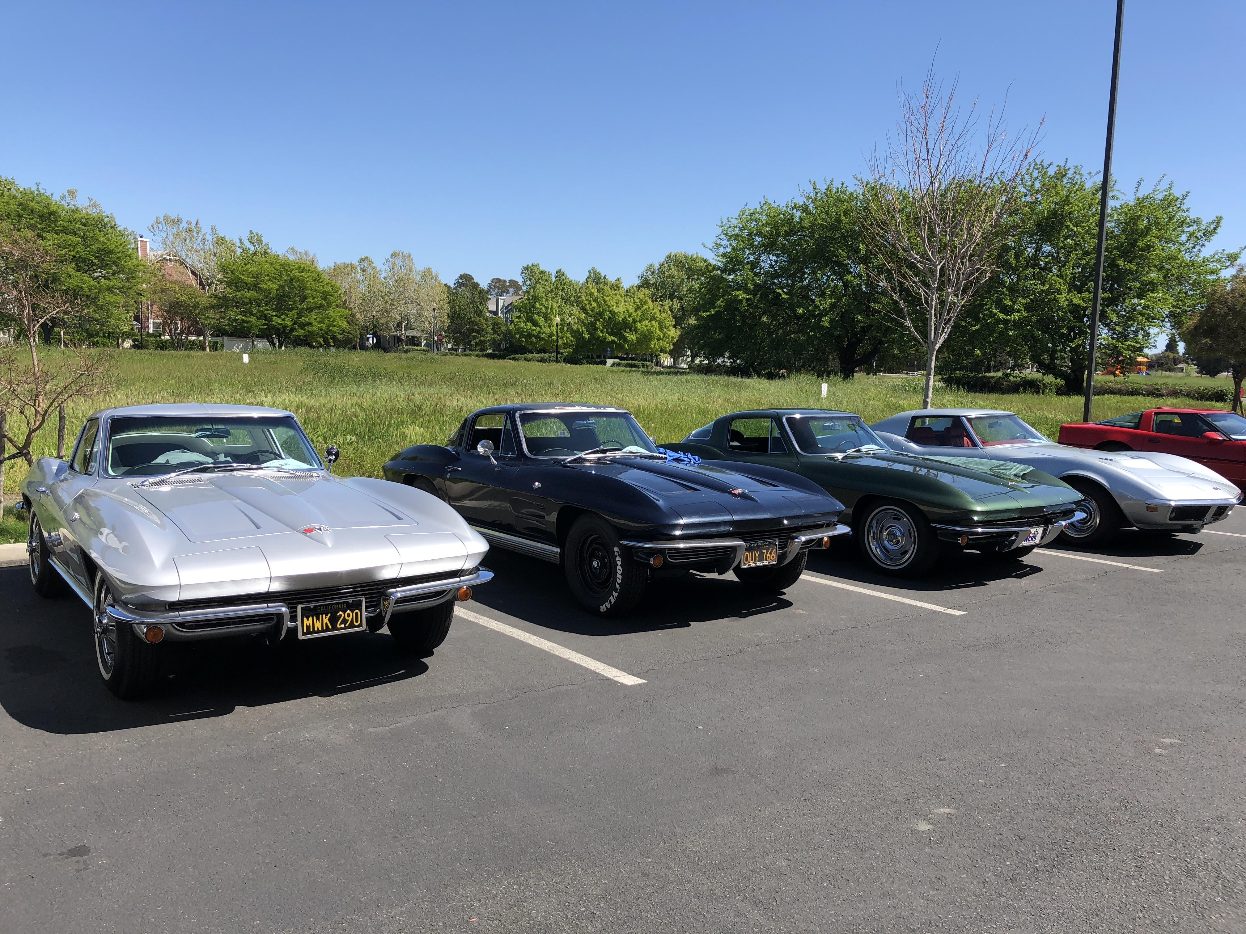 Casey, Wayne & Sandy's C2's and Ivan Yurtin's '69